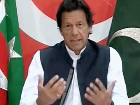 Imran Khan Addressing  Pakistan Nation In Bani Gala on 10 April 2016 | Panama Papers