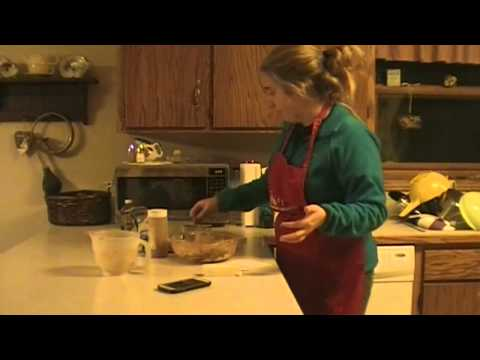 How to Make Microwave Monkey Bread
