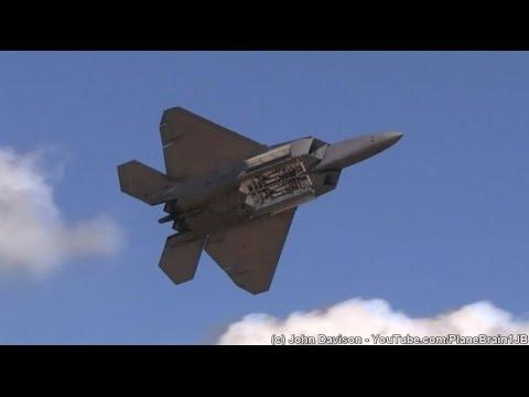 2015 Great New England Airshow - F-22 Demo & USAF Heritage Flight
