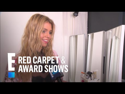 Stella Maxwell Talks Wearing Victoria's Secret Angel Wings | E! Red Carpet & Award Shows