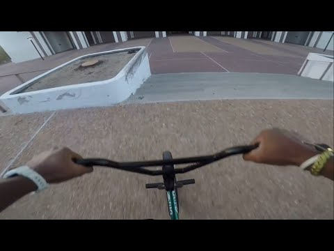 Riding BMX At The Compton Courthouse...(Super Sketchy!!!!)