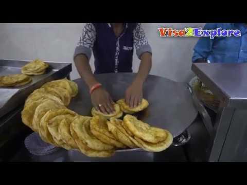 street-food-in-paharganj,-delhi-|-bhature,-chur-chur-naan,-gila-kulcha