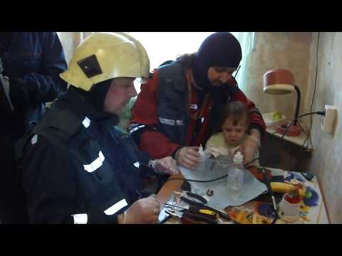 МЧС города Санкт-Петербург спасли девочку