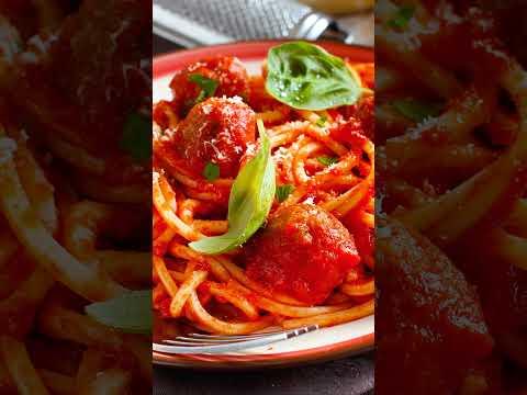 Spaghetti Doria con albondigas a la diabla.