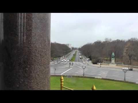 Berlin: Eroberung der Gold-Else (Siegessäule) im Sturm Conquest of Victory Column in storm