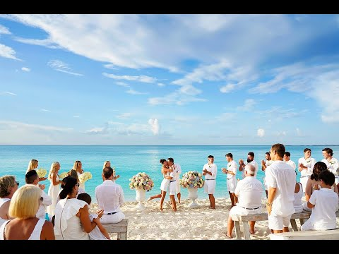 The clearest water in the world   Four Seasons Ocean Club Wedding   Nassau Bahamas