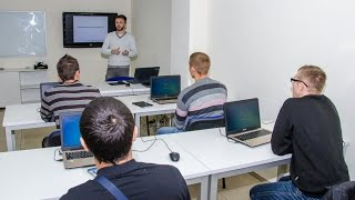 Пятая группа участников АТО зачислена на бесплатные IT-курсы в Днепропетровске