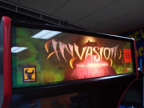 Midway's Invasion: The Abductors Arcade Game!  Fun Lightgun Shooting Game