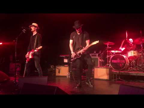 The Fratellis - Creepin' Up The Backstairs (Live)