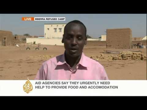 Thousands of Tuareg, Arab minorities flee violence in Mali