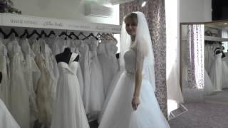 Свадебное платье Allure Bridals 9014   видео обзоры свадебных платьев(Свадебное платье Allure Bridals 9014 Это свадбное платье необыкновенно легкое и воздушное, ведь оно выполнено из..., 2014-07-16T11:41:47.000Z)