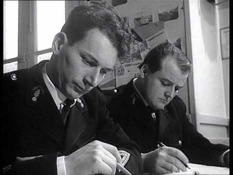 Images D'archives : La Formation Des Gendarmes Motorisés