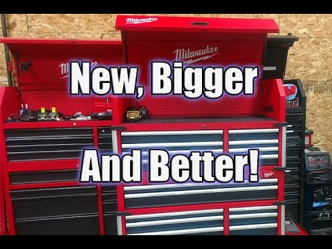 """New Milwaukee 46"""" 18-Drawer High Capacity Tool Chest and Cabinet Combo 