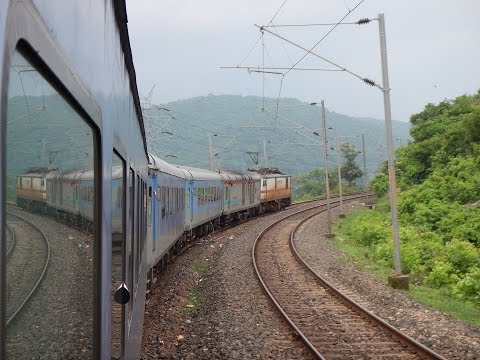 Ranchi Howrah Shatabdi Express Full Journey with Double Decker Overtake