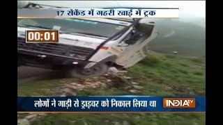 Caught On Camera: Truck falls into gorge in Himachal