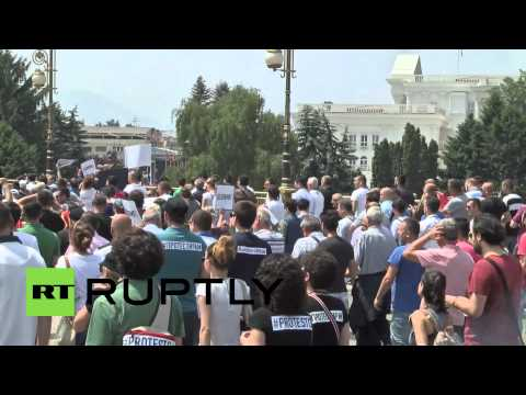 Macedonia: Thousands march in Skopje demanding government resignation