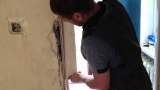 монтаж дверных откосов из гипсокартона(в этом видео я показываю как собрать и приклеить гипсокартон на дверной откос., 2014-06-20T18:25:43.000Z)