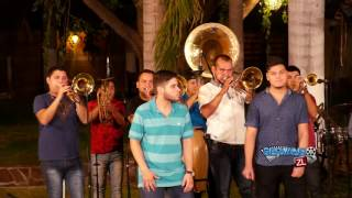 Grupo Ejecucion Ft. Banda Colosal - El Efectivo (En Vivo 2016)