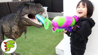 レオくんのお家に恐竜がでた?凍っている間にお菓子を回収しよう! トイキッズ
