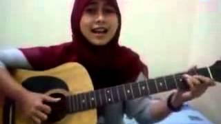 Download Mp3 ▶ Cewek Berjilbab Maen Gitar