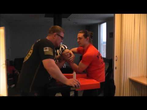 TKT-Nääsvääntö Armwrestling 5.3.2016: Antero Viikki VS. Niko Eerola
