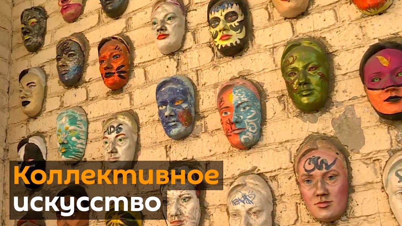 Художник украшает московские арки панно и мозаикой