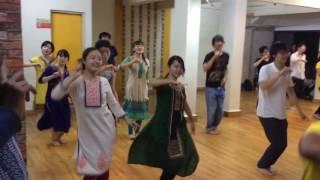 Japanese dancing on Bollywood music   kar gai chul   kala chashma   grms dance studio