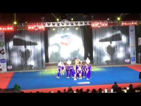 Young Harris College YHC cheerleading nationals 2014