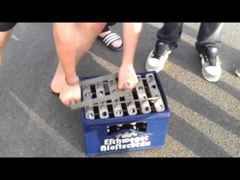 Wie man 24 Bierflaschen auf einmal öffnet