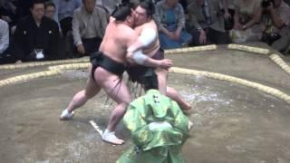20150515 大相撲夏場所6日目 日馬富士vs徳勝龍.