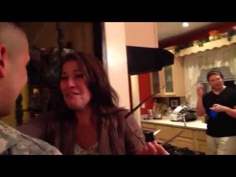 Louie Cruz - WATCH: Soldier Surprises Mom On Thanksgiving