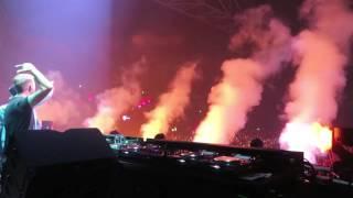 Dave Winnel + Armin Van Buuren on stage @ AMF 2016