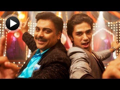 Lyrical: Punjabiyaan Di Battery Full Song with Lyrics   Mere Dad Ki Maruti   Kumaar