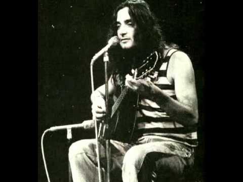 Walter Franco-Canalha(ao vivo Festival da TV Tupi,1979)ver1 (audio only)