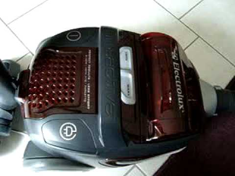 Electrolux Zua 3830p Ultra Active Vacuum Cleaner Youtube