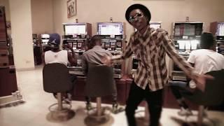 Gambar cover Albert Keckson - 15 MILLIONS (OFFICIAL CLIP) beat by NIX | Rap Guinéen |