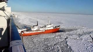 Atascados en el hielo en el crucero Princess Maria