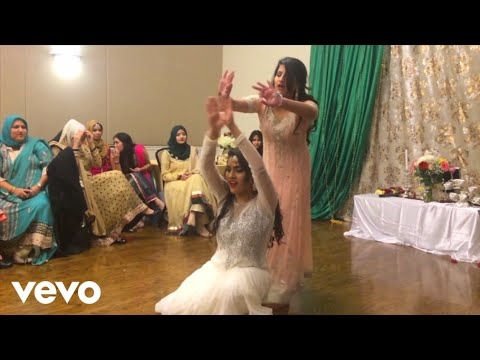 Jai Hind - Best And Amazing Sister Mehndi Dance In Wedding 2017-Muje rang day