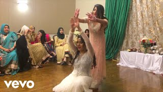jai hind best and amazing sister mehndi dance in wedding 2017 muje rang day