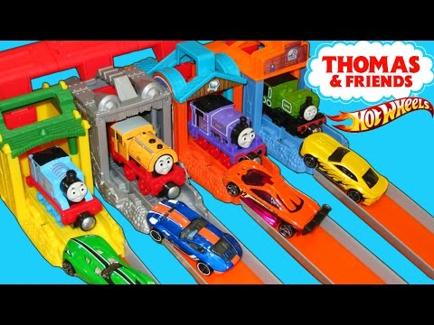 THOMAS AND FRIENDS LAUNCHERS TRAINS VS HOT WHEELS CARS