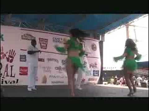 Cynthia La China's Salsa Performance at South Street Seaport