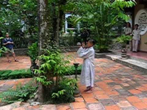 hue vietnam novice monk lunch prayers