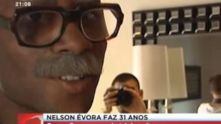 Nelson Évora Celebra Aniversario Disfarçado de Idoso