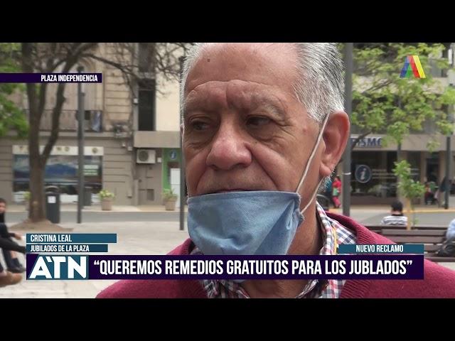 Jubilados reclamaron en Plaza Independencia