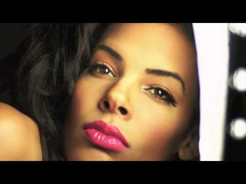 Sexy Photoshoot of Artist Brianna Goldie