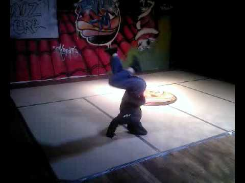 Bboy luke hughes battle 2008 santa woz ere.mp4