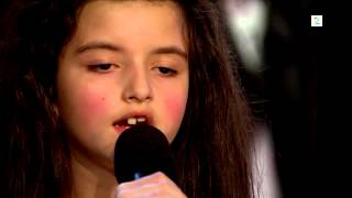 Amazing seven year old sings Billie Holiday/I