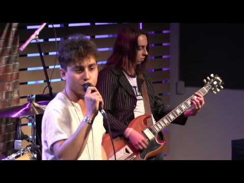 Greta Van Fleet - Black Smoke Rising [Live In The Sound Lounge]