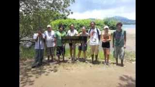 Realización de senderos/Trail creation -- Playa Potrero, Costa Rica