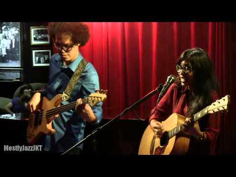Endah N Rhesa - Lagu Promo ~ Baby It's You @ Mostly Jazz 16/11/13 [HD]